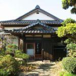 【曽呂川の宿】里山を望む入母屋造りの平家建て貸家