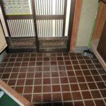家具を撤去した後の写真です。まずは玄関から。